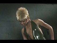 Black shemale domina fucks twink in latex <font color=#43d0cc>24:36 мин</font>