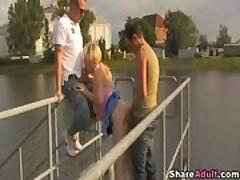 Блондинку дрючат на пристани <font color=#43d0cc>8:20 мин</font>