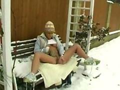 Сексуальная снегурочка дрочит киску на улице <font color=#43d0cc>23:26 мин</font>