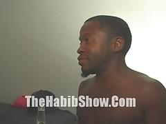 A thirsty fine ass black hoe fucks a midget  - <font color=#43d0cc>9:48 мин</font>
