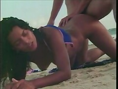 brazilian chick fucked on the beach - <font color=#43d0cc>23:16 мин</font>