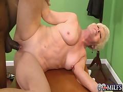 Hot blonde granny cougar jewel takes bbc  - <font color=#43d0cc>6:35 мин</font>