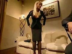 Die Geilste Blonde Schlampe Durchgefickt - <font color=#43d0cc>18:46 мин</font>