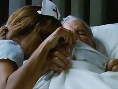 Пенелопа Круз в сексм костюме медсестры <font color=#43d0cc>33:32 мин</font>